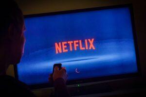 Næsten 60 originale film og serier fra Netflix har premiere i juli
